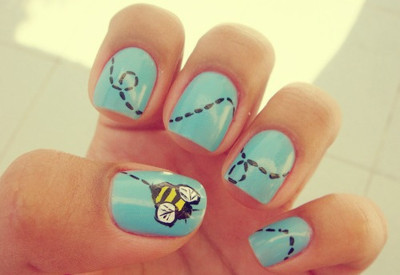 Cute Bee Nail Art