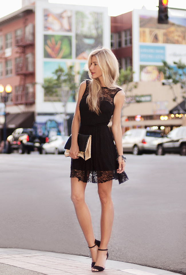 Black lace dress_fashion