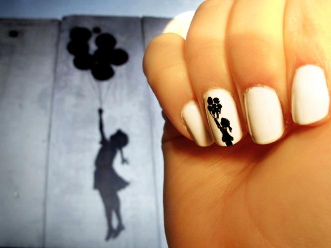 Nail Art_Girl B&W