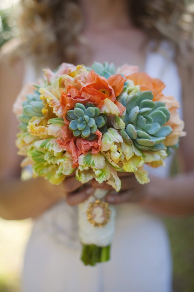 Succulent-organic-wedding-bouquet