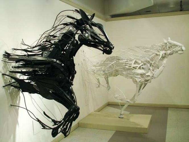 trash _horses