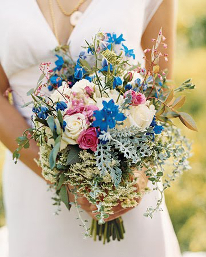 White-blue-bridal-bouquet