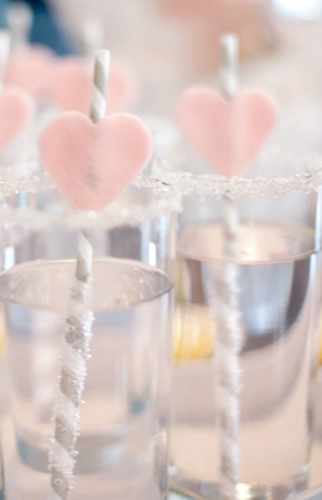 grey straws with pink heart