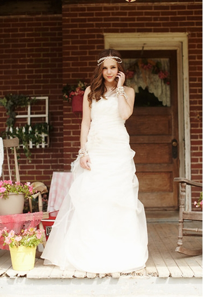 Wedding bellsWedding dress_Lookbook